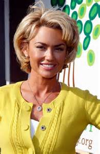 hair cut carlson short hairstyle trends kelly carlson hairstyle again