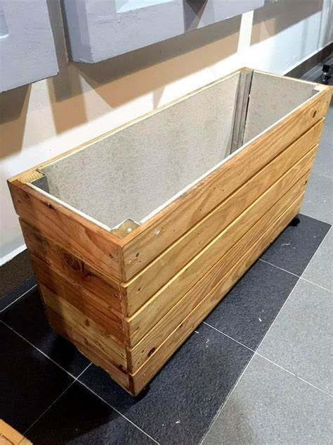 Upcycled Wood Pallet Planter Box Wood Pallet Planters Pallet Planter Box Plans