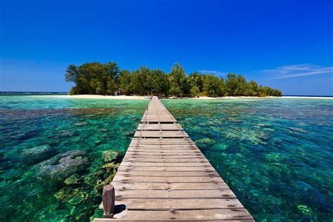 island hopping  karimunjawa travel photographer