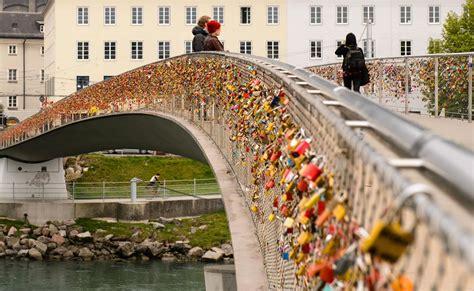 images of love lock bridge romantic worldwide phenomenon of love locks 50 pics