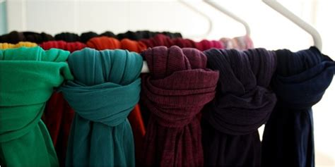 model tutorial adalah tips menyesuaikan warna hijab daily hijab tutorial