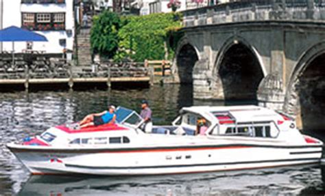 river thames boat licence fees river thames boat hire in the uk boating holidays