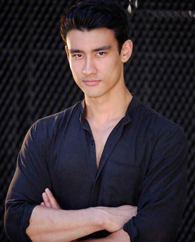 grey s anatomy nico kim actor grey s anatomy casts alex landi as series first gay male