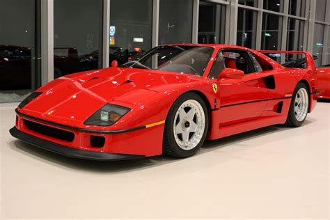 Ferrari F 40 by Ferrari F40 Engine