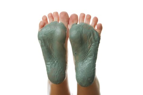 Bentonite Foot Detox by Diy Mud Baths For Ultimate Detoxification And Healing