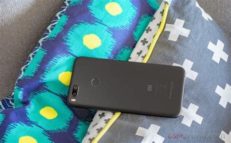 Mi A1 Color Black Garansi Tam 17 xiaomi mi a1 review retail package 360 degree spin design