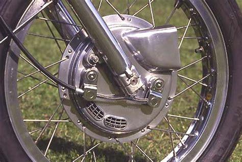 Motorrad Felgen Einspeichen Preis by Hbs Heinz Bals Speichenrad Experte Firmenportrait