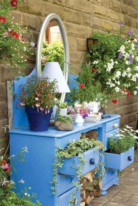 creative diy garden containers  planters