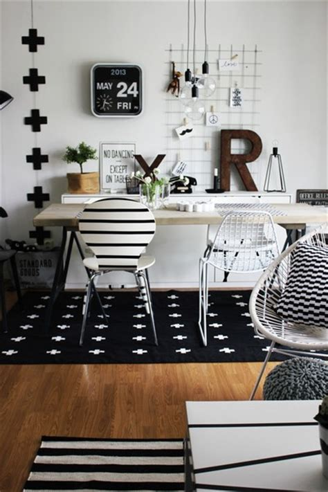 Black And White Home Office Decorating Ideas by