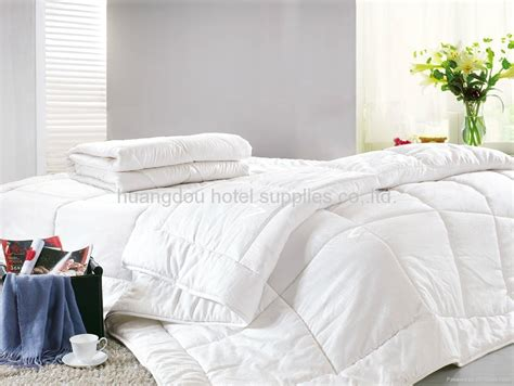 Is A Duvet The Same As A Comforter by 100 White Cotton Hotel Quilt Comforter Duvet Hotel Duvet Hd 010 Huangdou China Other