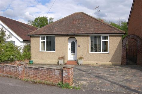 2 bedroom detached bungalow for sale in waverley road