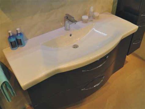 waschbecken geschwungen waschtisch mit unterschrank geschwungen moderne badm bel