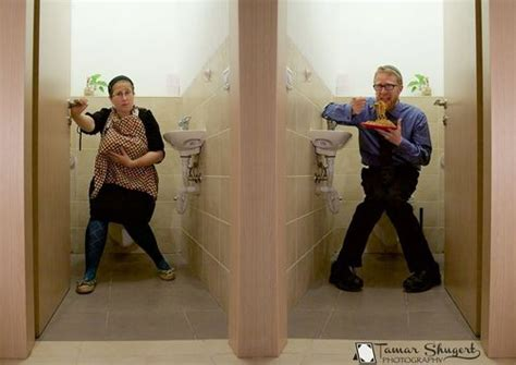 mom at the toilet viral breastfeeding photo mom breastfeeds while dad eats