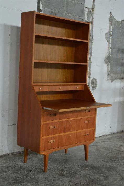 Swedish Mid Century Modern Mahogany Desk And Hutch At 1stdibs Modern Desk Hutch