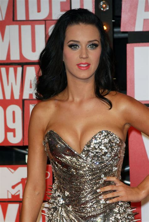Vma Red Carpet Photos by Popoholic