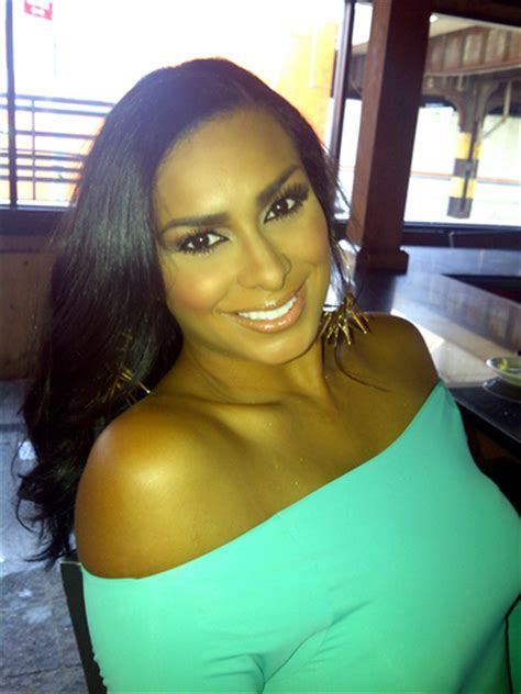 laura neal leaving channel 8 basketball wives laura govan wants groupies to leave the