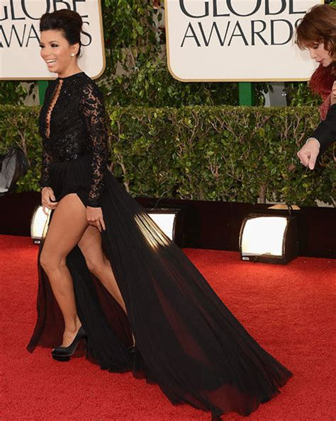 golden globes dress malfunction
