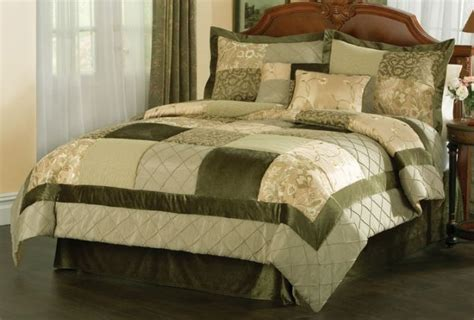 Green Comforter Sets by Green Garden Comforter Sets In And King