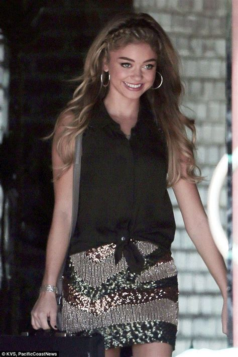 is highlighted hair dated sarah hyland hires brawny bodyguard on the set of modern