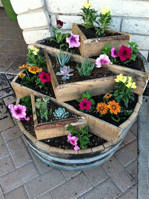 outdoor planter ideas 25 best ideas about tiered planter on pinterest herb