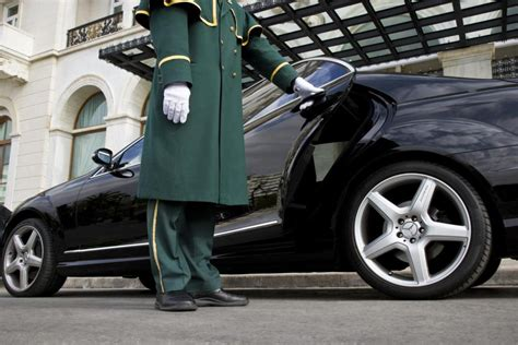 Chauffeur Limousine Service by Limousine Service Airport Incoming