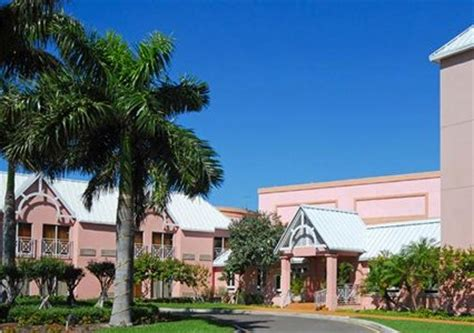 comfort suites in the bahamas comfort suites paradise island paradise island deals