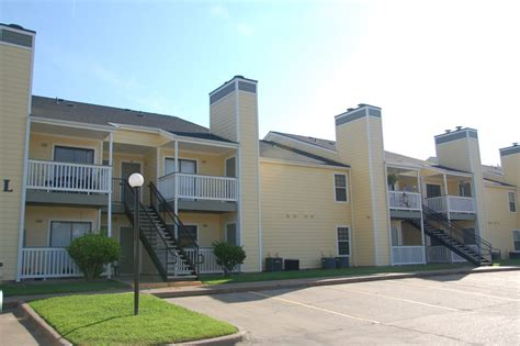 river oaks appartments river oaks apartments shreveport la apartment finder