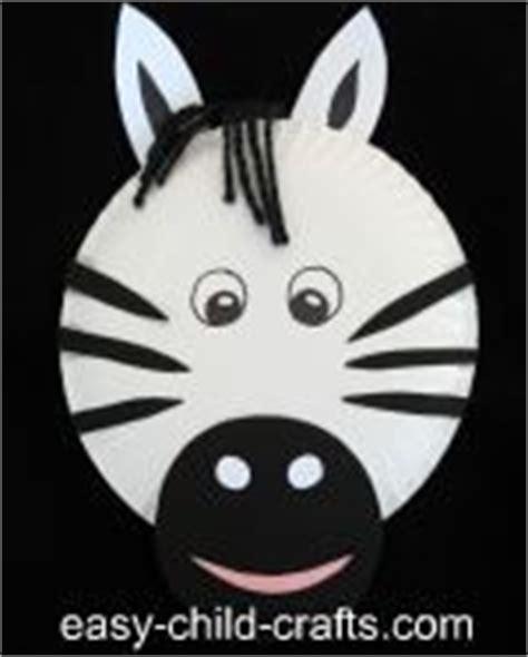 Zebra Paper Plate Craft - paper plate puppet zebra manualidades
