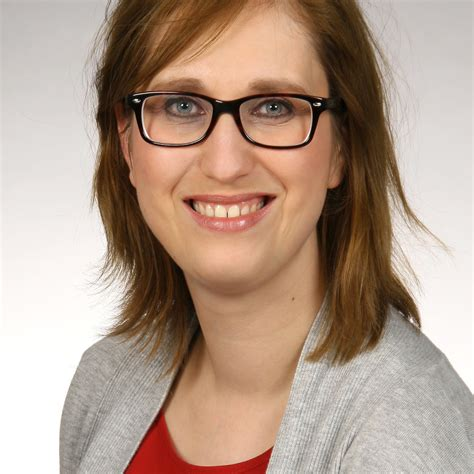 Stelan Eliza elisa gahler kundenbetreuung marketing und social media