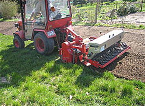 Garten Umgraben Maschine by Landschaftspflege Garten Rollrasen L G Landschaftspflege Und