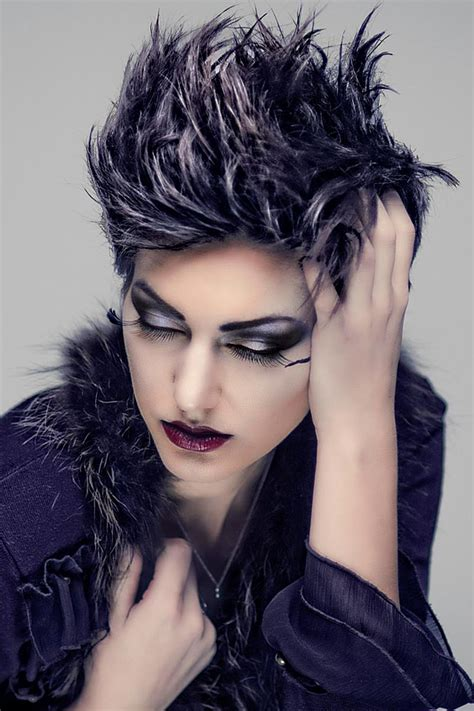 coole kurze haare als punk frisur coole flotte peppige