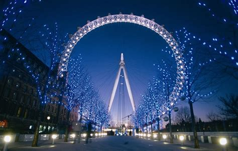 Lovely Christmas Crusies #2: The-coca-cola-london-eye-fast-track-91919243-940x600.jpg