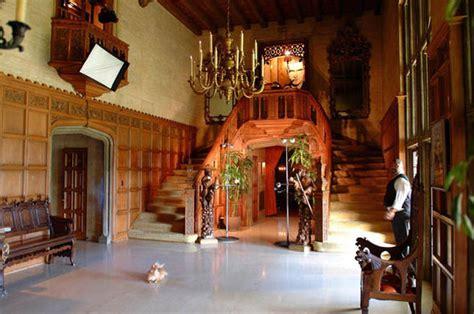 playboy mansion bedrooms looking to move hugh hefner puts 163 138m playboy mansion on