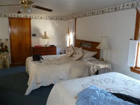 beagle bed and breakfast large 2 queen room picture of beagle s bed breakfast