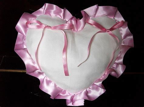 cuscino portafedi da ricamare cuscino fedi cuore cuscinetto portafedi volant raso da