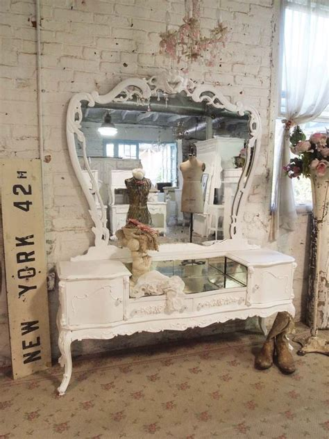 shabby chic bedroom vanity 25 best ideas about shabby chic vanity on pinterest
