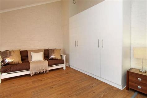 1 bedroom flat in cape town gardens one bedroom self catering apartment cape town