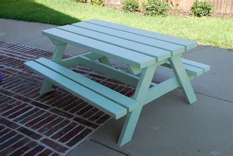 picnic bench for kids craftyc0rn3r a picnic table for the kids