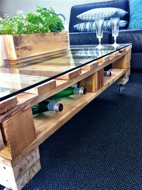 DIY Pallet Coffee Table Tutorial   DIY and Crafts