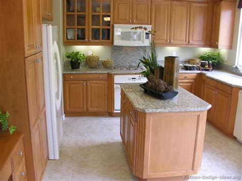 Kitchen With Light Wood Cabinets | pictures of kitchens traditional light wood kitchen
