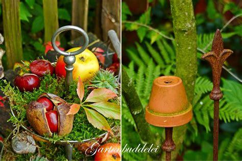 garten im herbst dekorieren herbstdeko ideen kreativ bunt den garten dekorieren