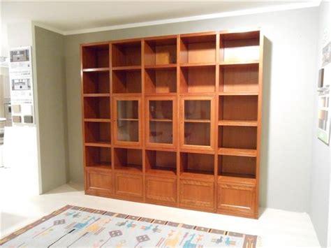 librerie ciliegio libreria in legno ciliegio con vetrine soggiorni a