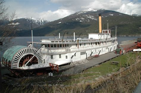 lake boats for sale bc file moyie sternwheeler at kaslo 2008 jpg wikimedia