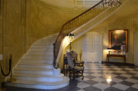 mansion foyer file louisiana governor s mansion foyer jpg