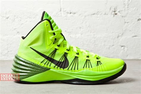 neon basketball shoes nike hyperdunk 2013 black neon green preview