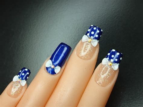 imagenes de uñas pintadas de blanco u 241 as pintadas de azul con puntos youtube