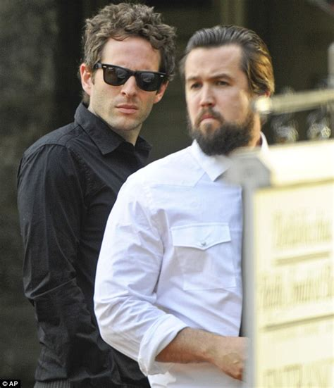 ryan dunn dead johnny knoxville leads mourners at