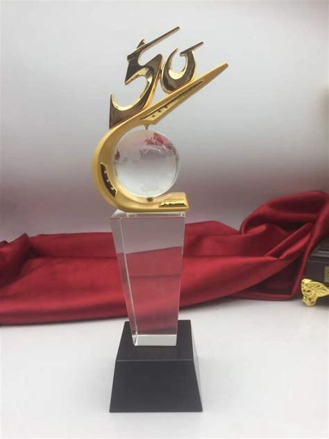 China Personalised 50th Anniversary Crystal Trophy For