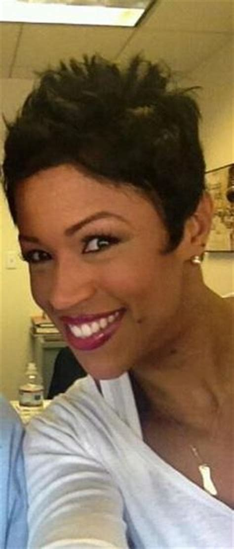 val warner with her natural hair fashion forward hair on pinterest pixie cuts short hair