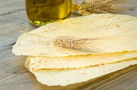 pane carasau fatto in casa come preparare il pane carasau in casa